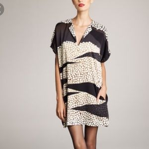 Diane von Furstenberg Squaretan Shift Dress Size M